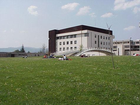 Zuzenbide Fakultatea Leioan